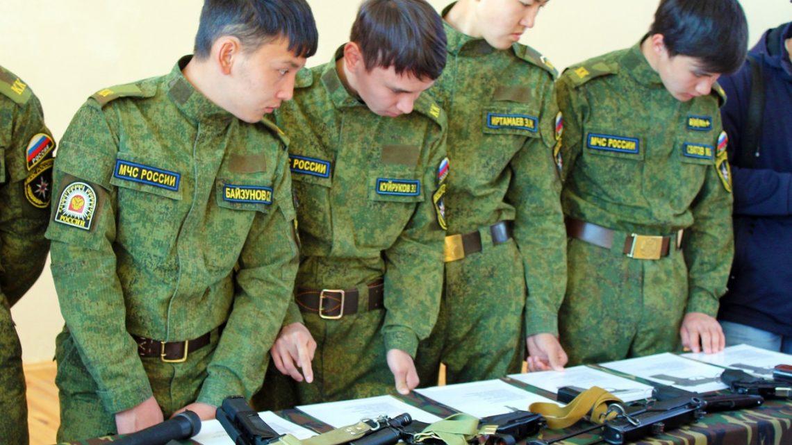 В преддверии Дня войск национальной гвардии России Росгвардейцы Республики Алтай провели встречу со школьниками региона