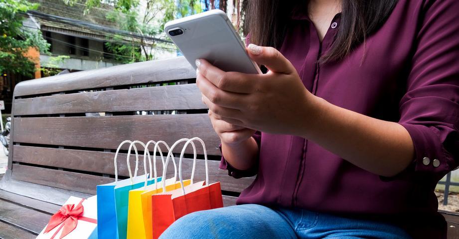 Мобильный вместо карты: шесть сервисов, в которых можно расплатиться без карты