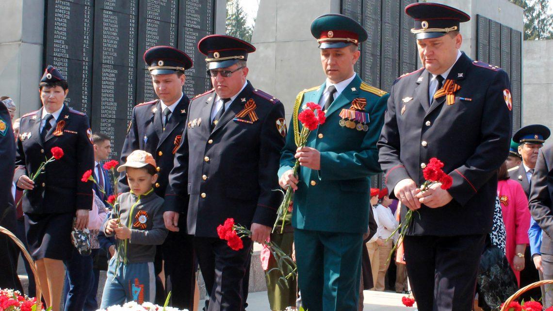 Росгвардейцы в Республике Алтай приняли участие в торжественных мероприятиях, посвященных 74-й годовщине со Дня Победы в Великой Отечественной войне