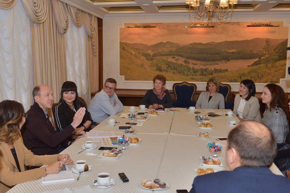 Олег Хорохордин провел встречу с ведущими СМИ региона