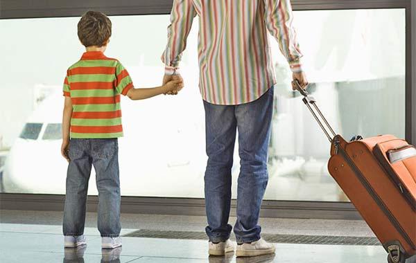 С 12 июня изменился порядок подачи заявлений о несогласии на выезд ребенка за границу