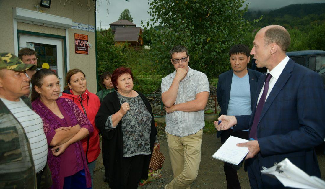 Олег Хорохордин обсудил с жителями развитие микрорайона Заимка