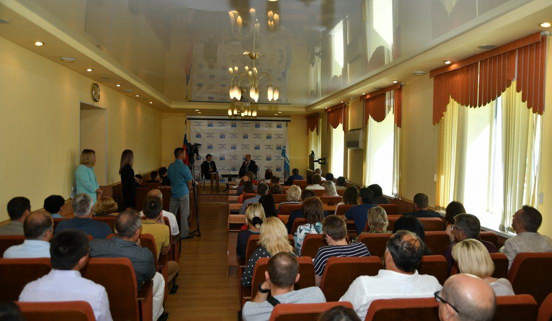 Олег Хорохордин встретился с активом предпринимательского сообщества Горно-Алтайска