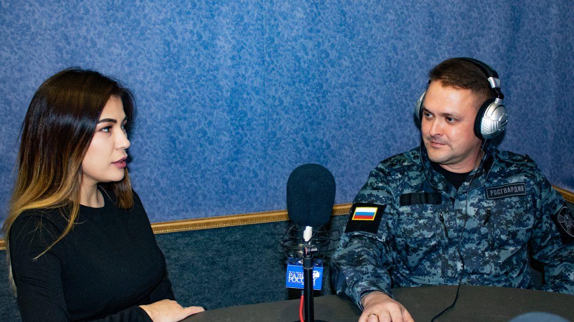 На волнах «Радио России Горно-Алтайск» состоялся очередной выпуск радиопередачи «В эфире Росгвардия»