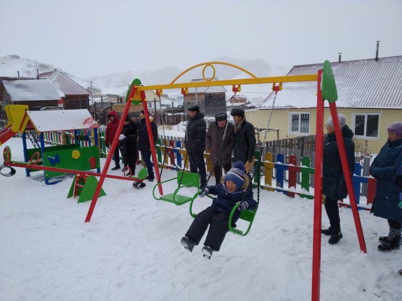 Шесть детских площадок построили в районах Республики Алтай по инициативе жителей
