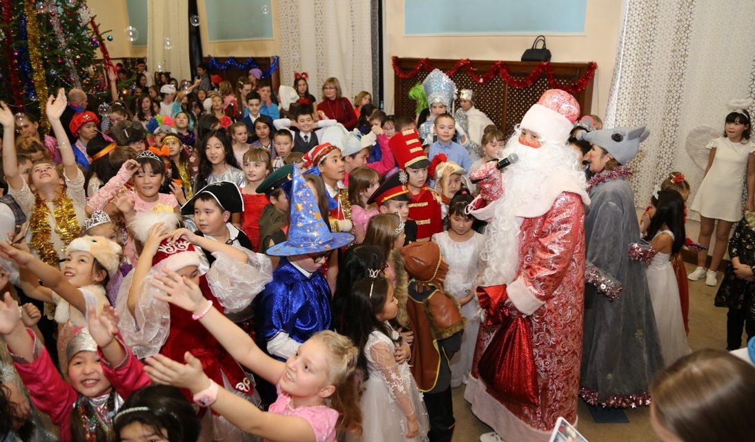 Новогодняя Елка Главы Республики Алтай прошла в Национальном театре