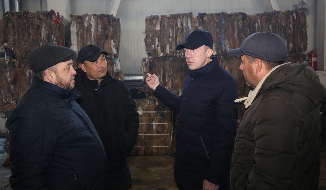 Олег Хорохордин побывал с инспекцией на майминском мусороперерабатывающем заводе