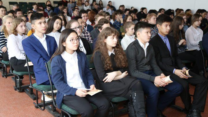 Школьники и студенты Республики Алтай приняли участие во Всероссийском уроке памяти «Блокадный хлеб»