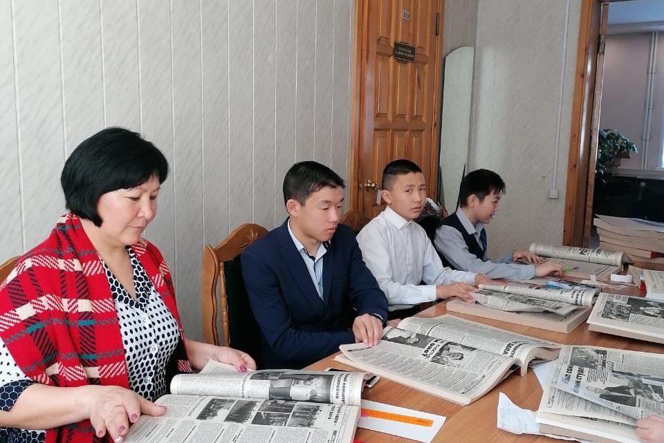 Ученики городской гимназии готовятся к юбилею школы с помощью газетных публикаций
