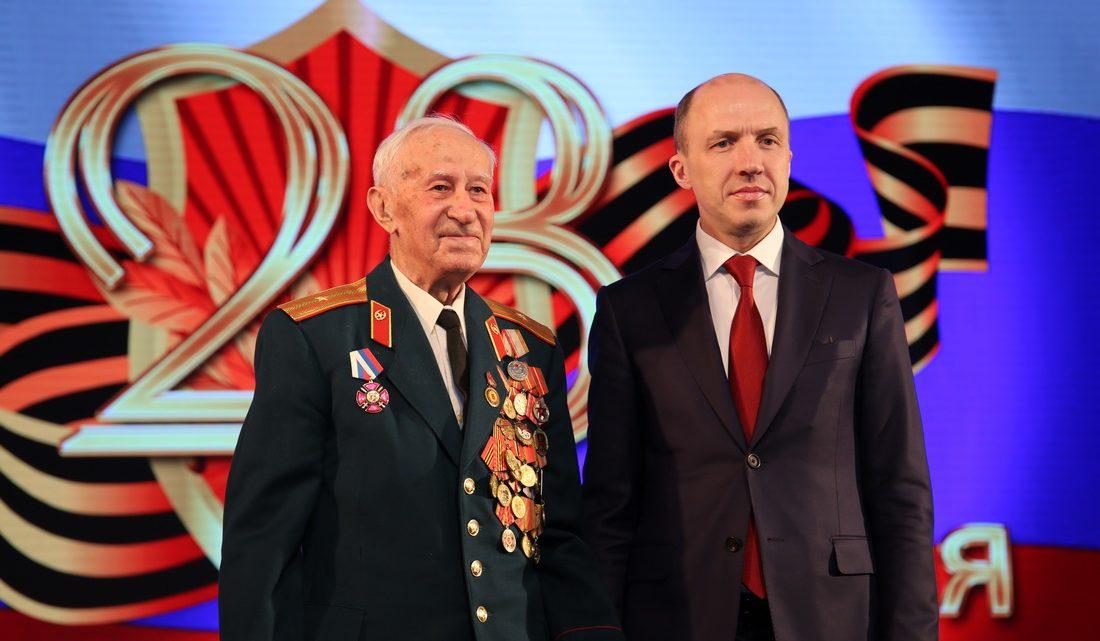 Торжественное собрание в честь Дня защитника Отчества прошло в Горно-Алтайске