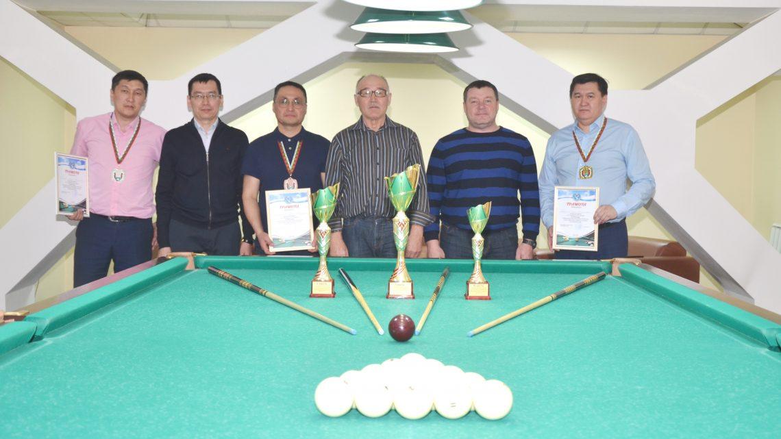 Судьи Республики Алтай провели турнир по бильярду