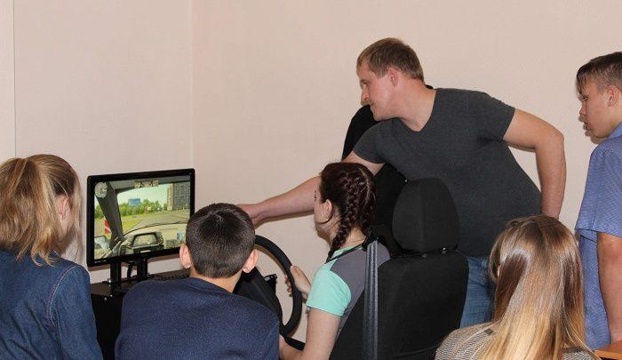 Ребята, конфликтующие с законом в Республике Алтай, получили возможность выучиться на водителей