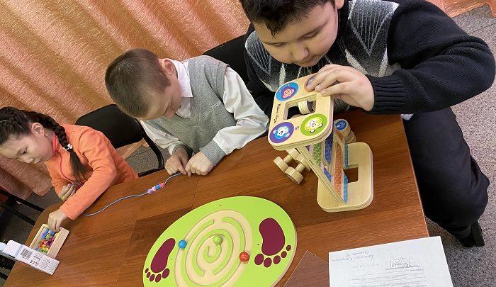 В Горно-Алтайске для «особенных» детей провели реабилитационное занятие на специальном оборудовании