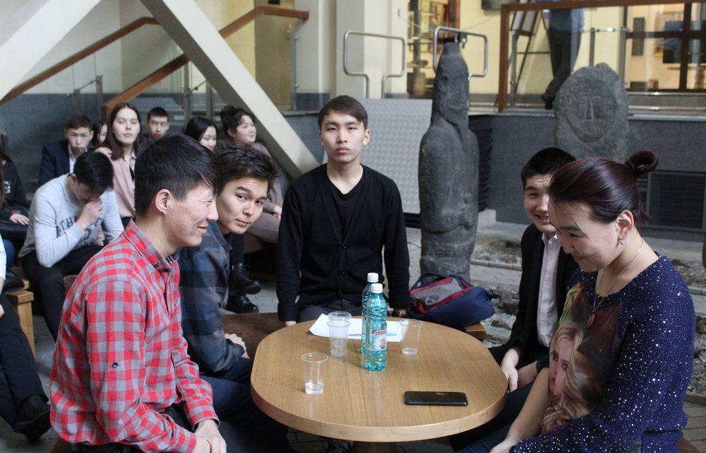 В Национальном музее прошел студенческий квиз по творчеству Чорос-Гуркина