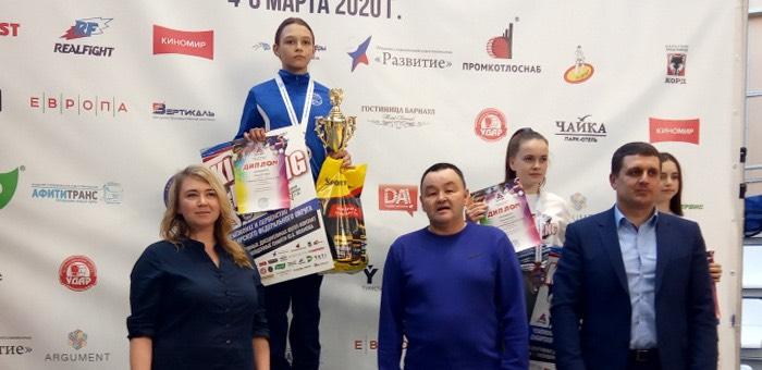 Старшие воспитанники спортклуба «Атака» одержали победу на чемпионате и Первенстве Сибири по кикбоксингу, младшие готовятся к ответственным состязаниям