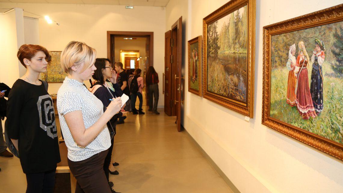 Открылась персональная выставка Евгения Бучнева