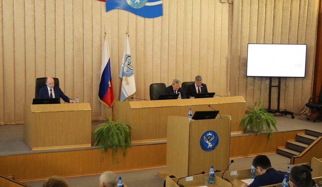 На внеочередной сессии депутаты республики одобрили закон о поправках в Конституцию РФ