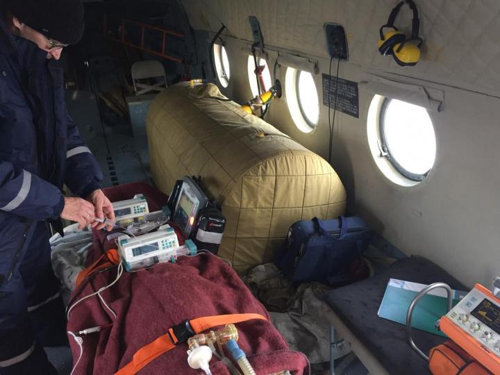 25 пациентов, в том числе 5 новорожденных, эвакуировали вертолетом санавиации с начала года