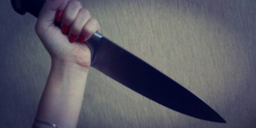 Нож в спину… и все из-за ревности. В Республике Алтай женщина порезала сожителя